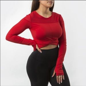 Buffbunny knotty long sleeve crop
